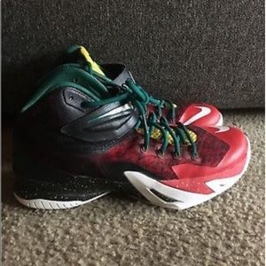 Nike Zoom Soldier 8 Christmas Size 11